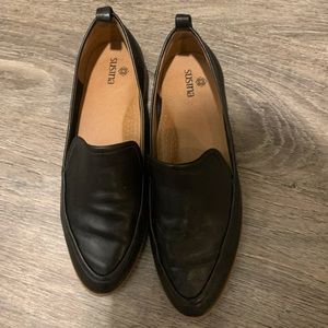 Susina women's black loafers size 5